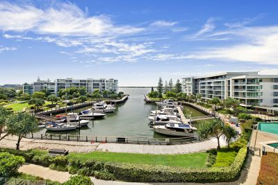 Impressive Two Bed + Study Apartment with Tranquil Broadwater Views in Pet Friendly Allisee