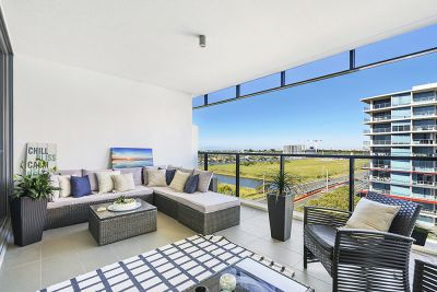 Two Bed + Study Nook Apartment with Views! Easy, Pet Friendly Living!