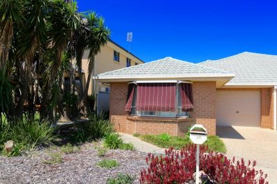 Spacious unit in sought after suburb