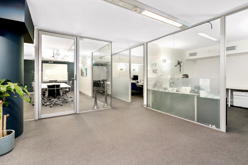 Modern Fully Fitted Office or Investment in Ultimo!!