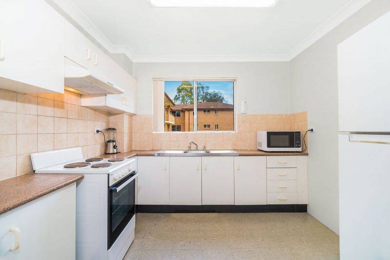 For Sale By Owner: 4/538-544 President Avenue, Sutherland, NSW 2232