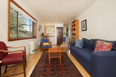 Bright apartment in convenient location