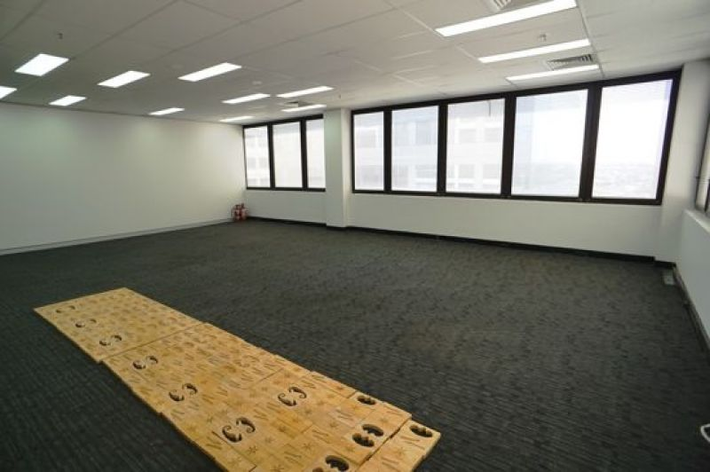OPEN-PLAN CORNER OFFICE WITH EXPANSIVE BALCONY - PARKING AVAILABLE