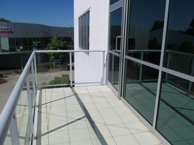 327sqm* MURARRIE CORPORATE OFFICE / WAREHOUSE