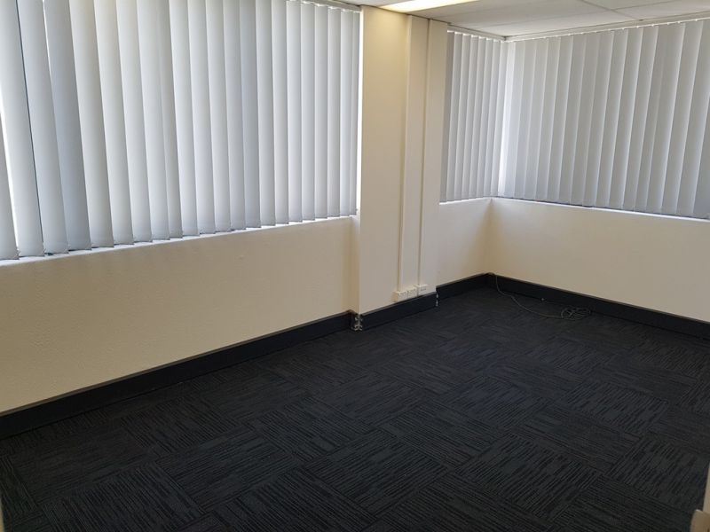 FULLY PARTITIONED 90M2