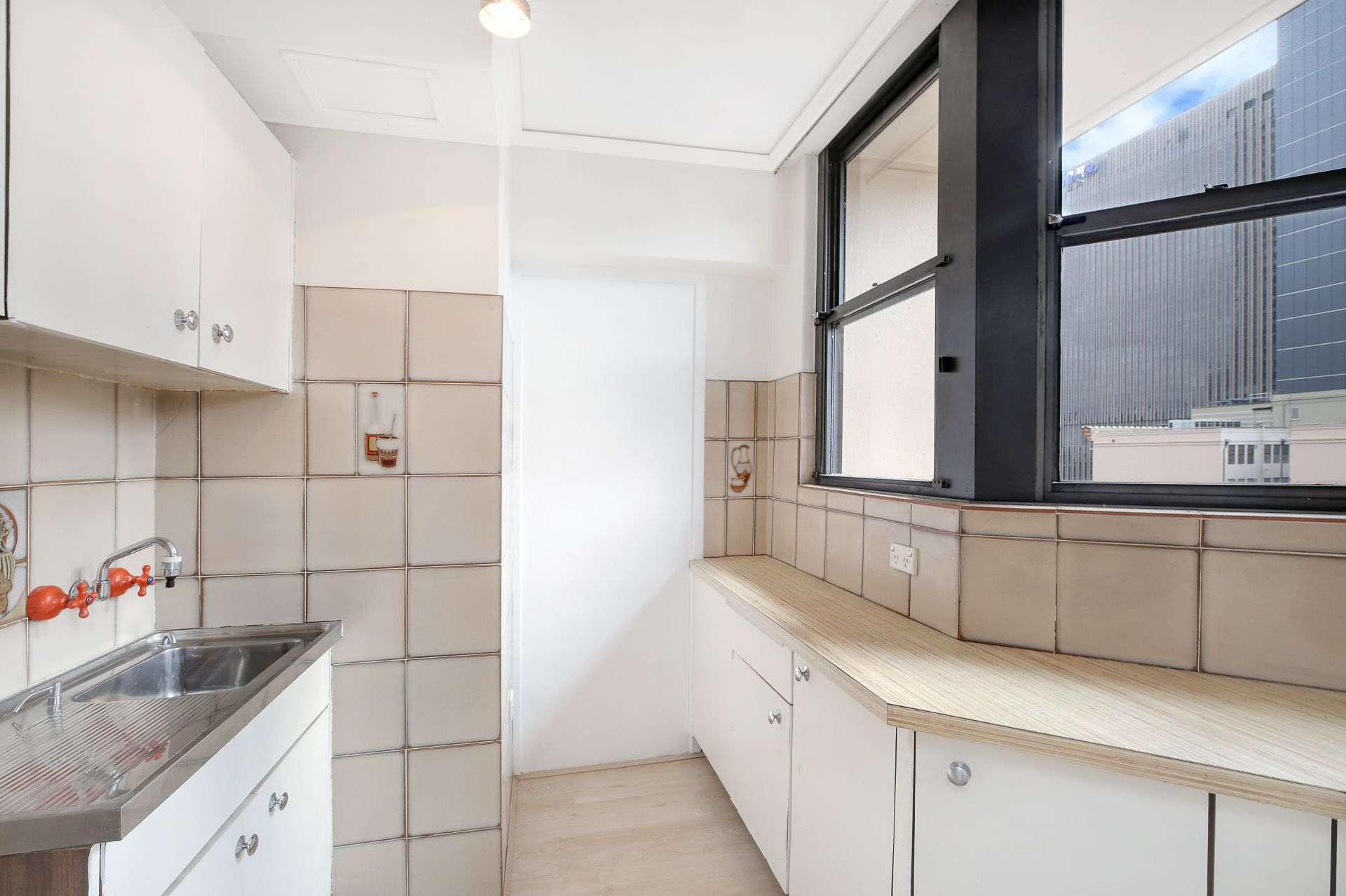 164/27 Park Street, Sydney