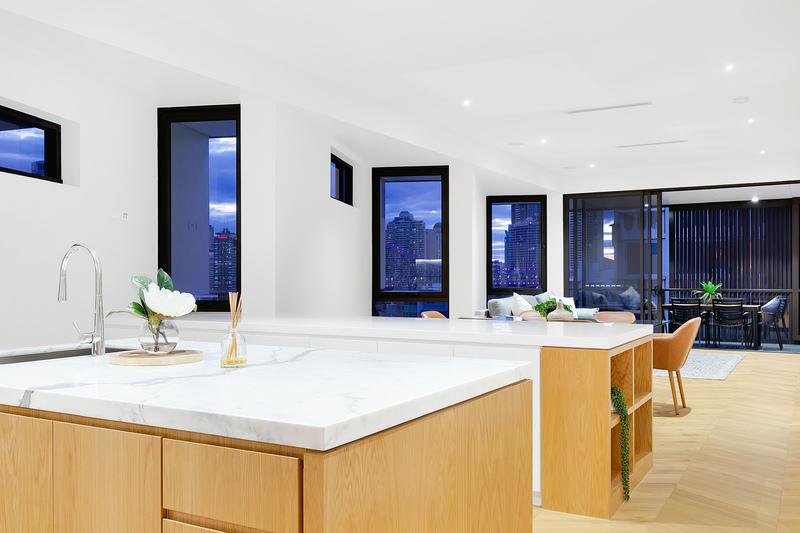 Bespoke Top Floor Penthouse - Story Bridge and CBD Views