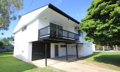 SOLID HIGHSET FAMILY HOME WITH LOADS OF POTENTIAL+INTERNAL STAIRS + A PLUS A BIG 809M2 BLOCK FOR UNDER $200K!!!