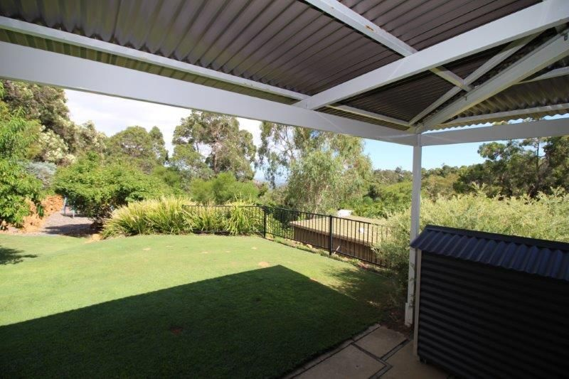 TRANQUIL DELIGHT - JUST A STONES THROW FROM KALAMUNDA CENTRAL
