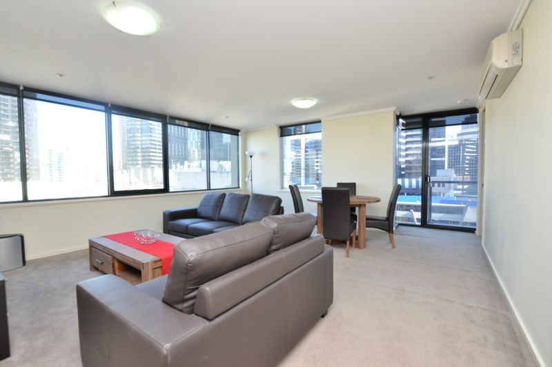 Southpoint: Stunning Two Bedroom Furnished Apartment!