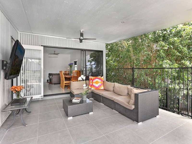 Tranquil family sanctuary ideal for entertaining!
