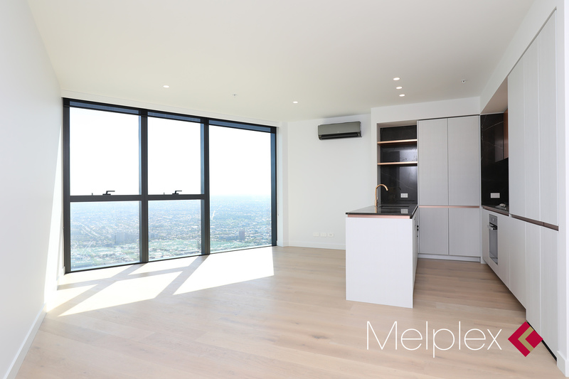 2-Bed 2-Bath Apartment in The Heart of Melbourne