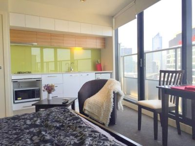 Victoria Point: 30th Floor - Stunning Fully Furnished Studio!