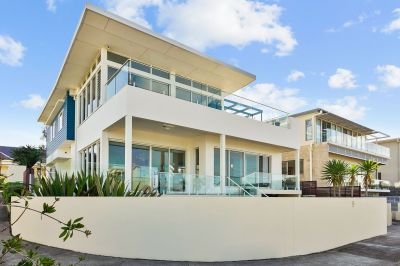 Discover Breathtaking Ocean Views from your Luxurious Designer Home