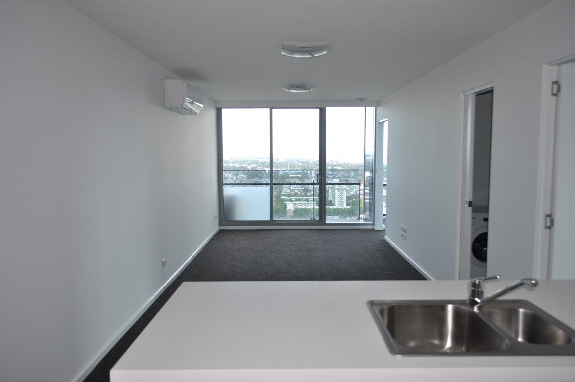 Mainpoint: 31st Floor - Fantastic Views of The Bay!