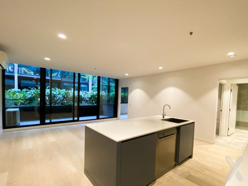 NEGOTIABLE – Spacious 2 Bedroom Apartment in the famous OXLEY Complex (not furnished)