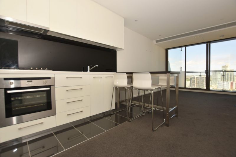 EPIC: Stylish 2 Bedroom Apartment with Whitegoods Included!