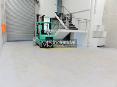 158sqm - Modern Warehouse & Office