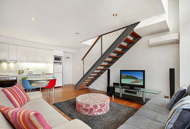 New York Style Apartment In the 'Precinct'