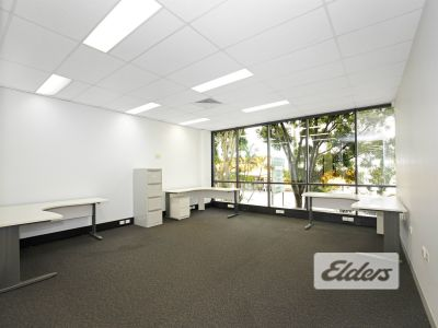 WELL FURNISHED OFFICE WITH HIGH CAR PARK RATIO