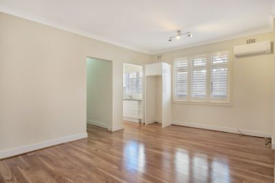 Chic Two Bedroom Apartment, conveniently located  . Wed 5:00pm