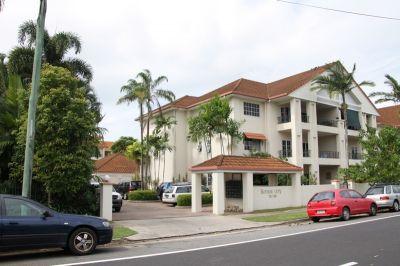 16/327 Lake Street, Cairns North