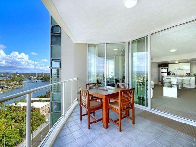 Renovated High Floor 2 Bedroom