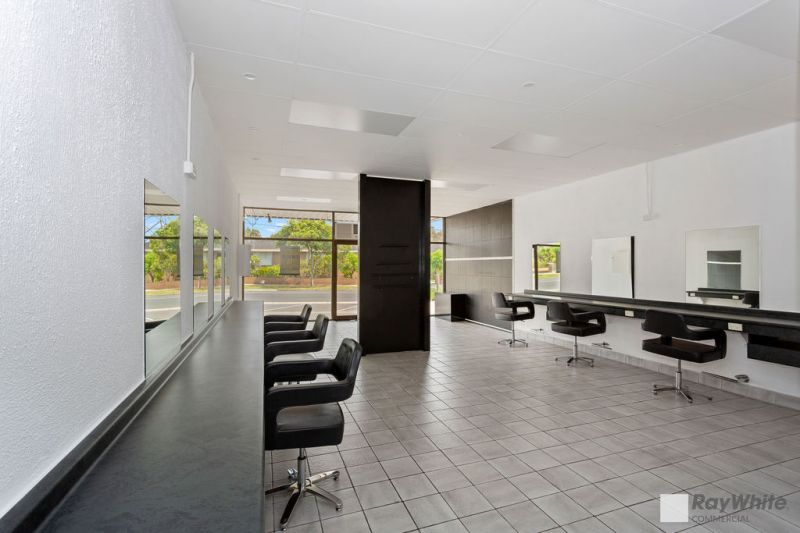 SUPERB STAND-ALONE RETAIL / OFFICE FREEHOLD – PURCHASE OR LEASE