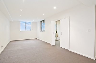 Modern One Bedroom Apartment with Parking and Storage!