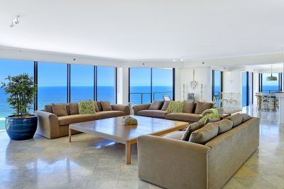Absolute Beachfront 370m2 Sub-Penthouse