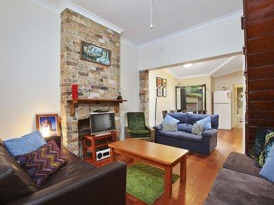 Classic Terrace, Cosmopolitan Inner City Lifestyle!