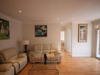Stunning Renovated Apartment - Look No Further
