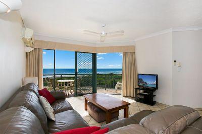 Beachfront apartment with breath taking views!