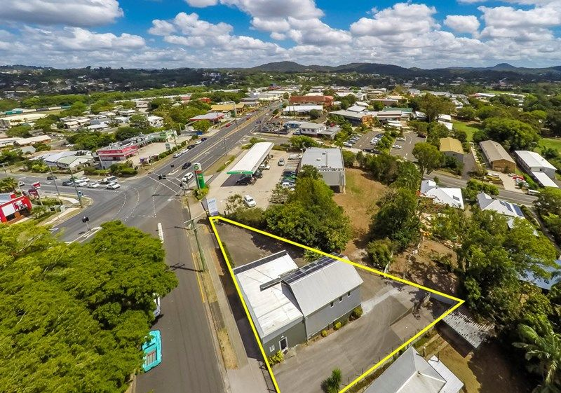 MIXED USE COMMERCIAL BUILDING FOR LEASE ON HIGH PROFILE CORNER SITE