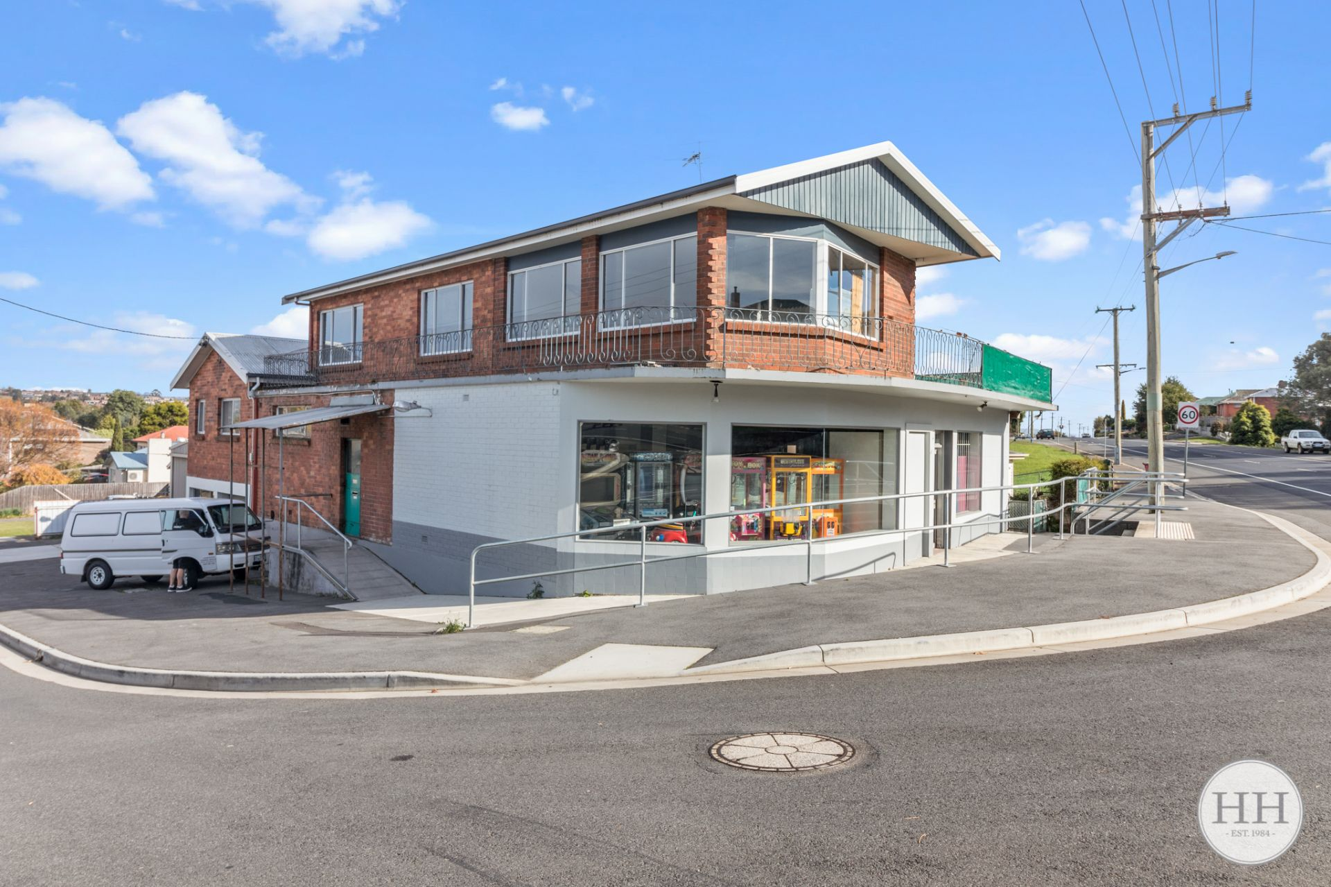 St Leonards  - Corner Site with Potential Options