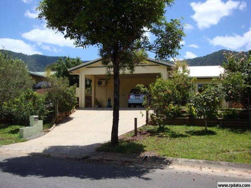 THREE BEDROOM HOME WITH LARGE ENTERTAINMENT AREA
