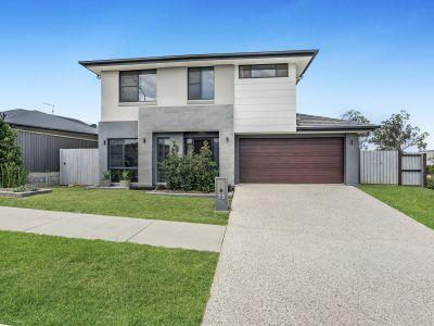 MASSIVE FEATURE PACKED DESIGNER HOME ON 605sqm BLOCK WITH REAR YARD ACCESS