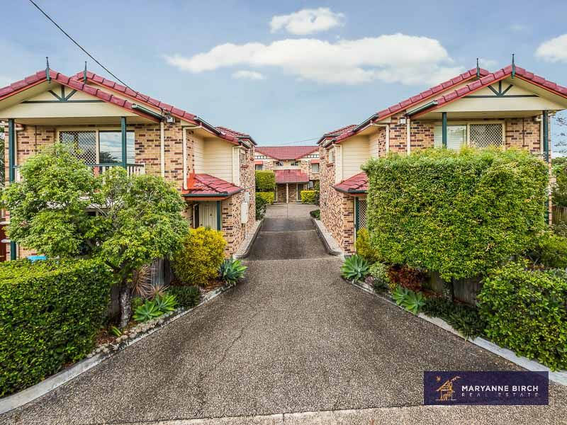 Sensational townhouse with own garden and air-conditioning!