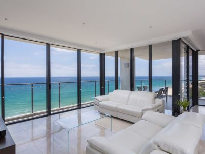 Eclipse Luxury Beachfront Apartment Half Floor Level 14