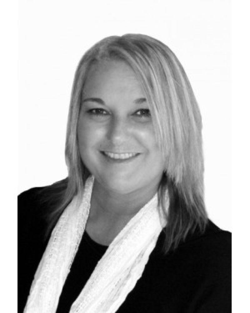 Michelle Gillingham AlZinki Real Estate Agent