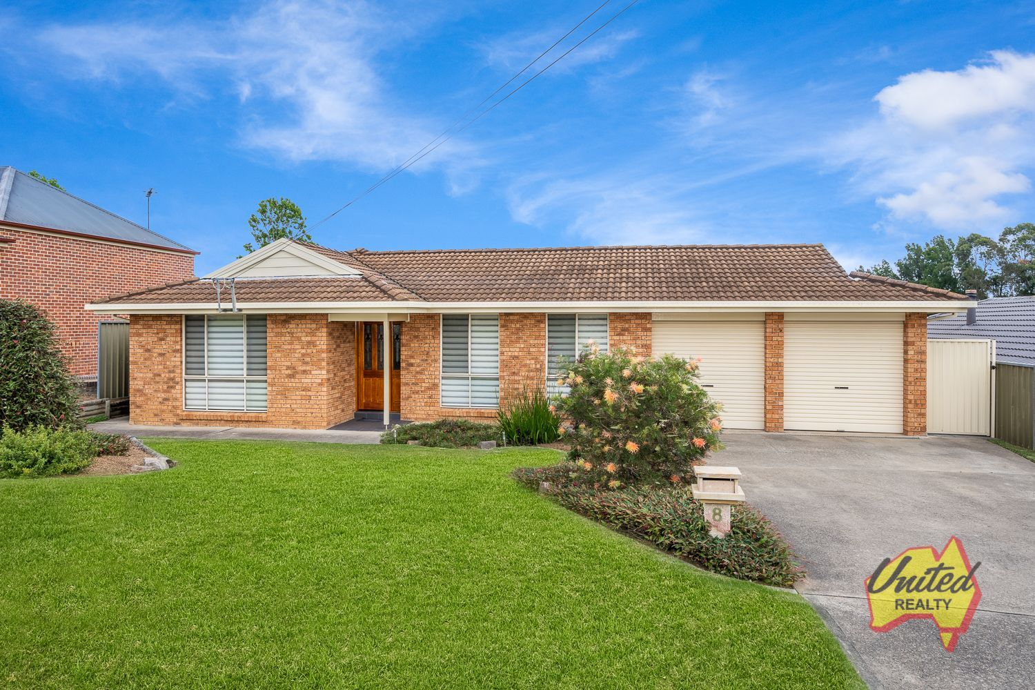 8 Devitt Crescent The Oaks 2570