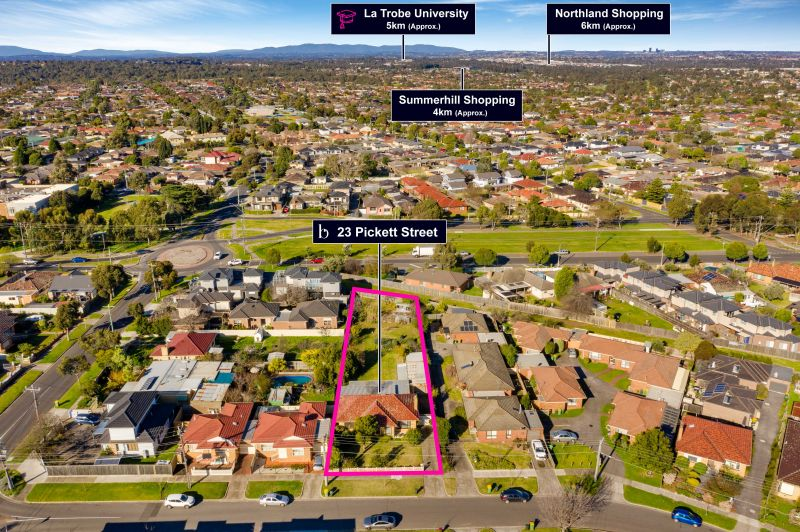 ONLINE AUCTION SATURDAY 25TH SEPT 11:30AM - PLEASE CONTACT AGENT TO REGISTER - A development dream on 1318sqm (approx.)