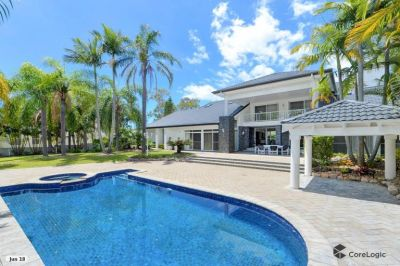 Tranquil privacy on an enormous 1967sqm block