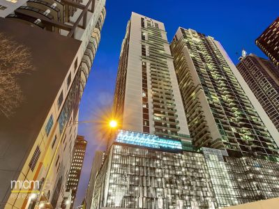 Australis: 27th Floor - Fantastic City Location!