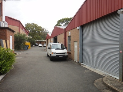 Great Value Warehouse Space with good natural light in pleasant complex.