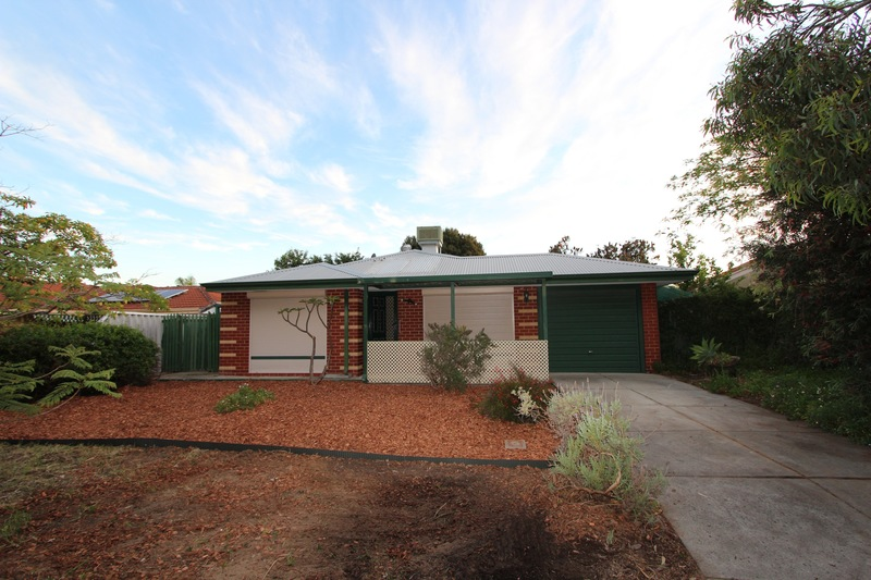 For Sale By Owner: 42 Elanora Drive, Cooloongup, WA 6168