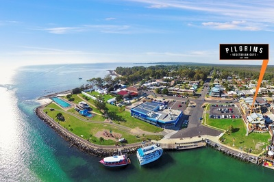Business for sale -   PILGRIMS CAFE in Huskisson -  Iconic Franchise Overlooking Jervis Bay