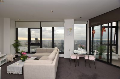 Victoria Point 1: Stunning Furnished Two Bedroom Two Bathroom Apartment in Docklands!