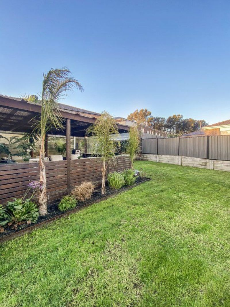 For Sale By Owner: 9 Superior Waters, Pakenham, VIC 3810