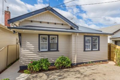 Stunning fully renovated three bedroom home - Location location